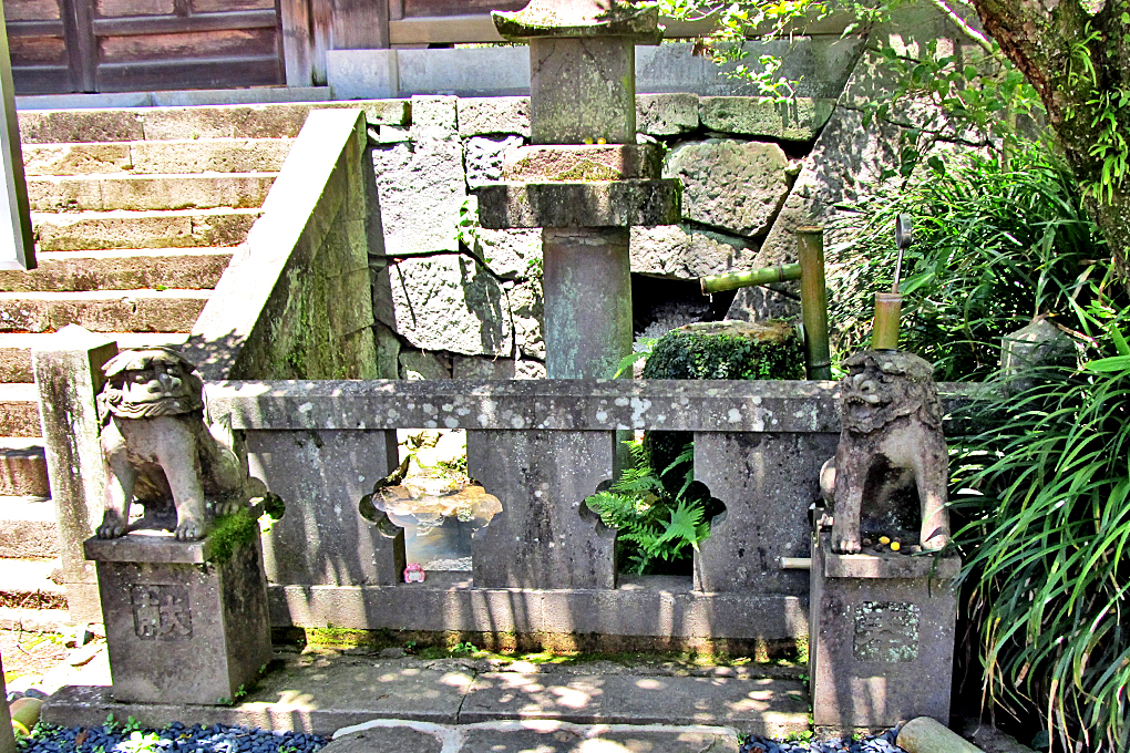 2-1 長崎諏訪神社 カッパ狛犬左右#
